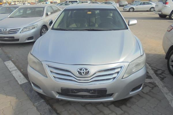 2011 toyota camry for sale in uae 32014. Black Bedroom Furniture Sets. Home Design Ideas